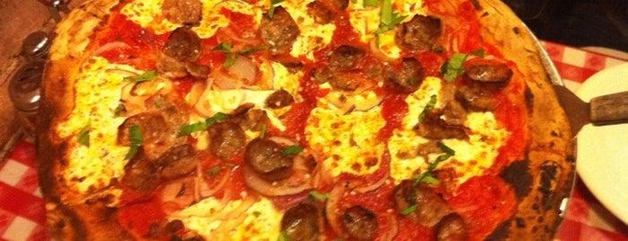 Kennedy Fried Chicken & Pizza is one of บันทึกเดินทาง New York.