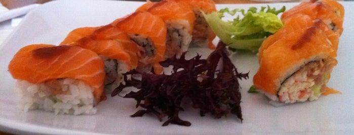 Sushi Madre is one of Tempat yang Disukai Jamie.