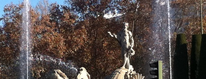 Fuente de Neptuno is one of Madrid.
