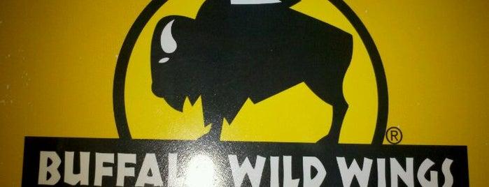 Buffalo Wild Wings is one of B David 님이 좋아한 장소.