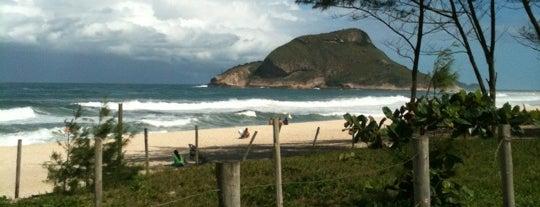 Praia do Recreio dos Bandeirantes is one of Os 10 melhores picos de surf do Rio de Janeiro.