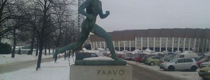 Paavo Nurmen patsas is one of Helsinki.