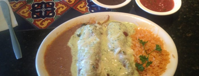 Lupe's Tex Mex Grill is one of Lugares favoritos de Stacy.