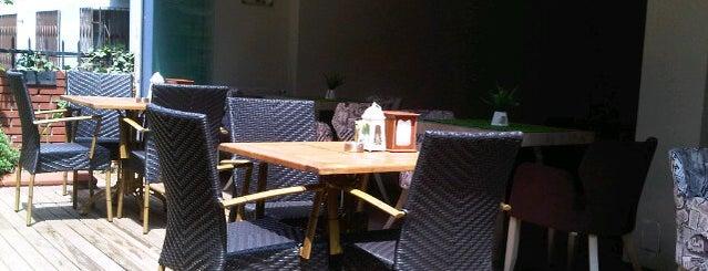 Focaccia Cafe & Restaurant is one of Locais curtidos por Yunus.