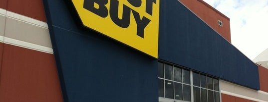 Best Buy is one of Stephanie'nin Kaydettiği Mekanlar.