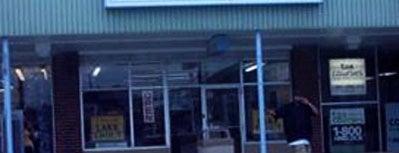 Erdman Seafood & Chicken is one of Tempat yang Disukai Everett.