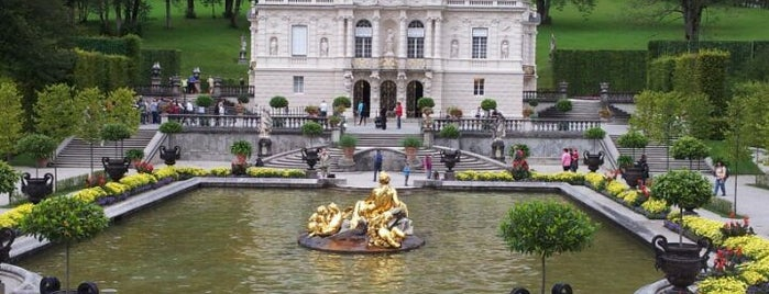 Schloss Linderhof und Venusgrotte is one of Munich And More.