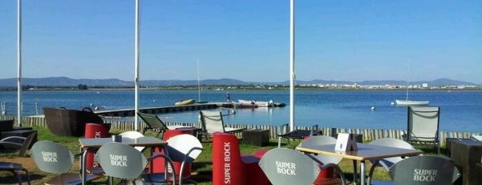 Aqui há Praia Lounge Beach Bar is one of Posti salvati di MENU.