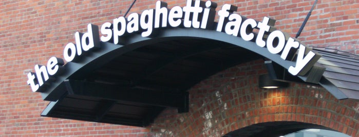 The Old Spaghetti Factory is one of Orte, die Maggie gefallen.