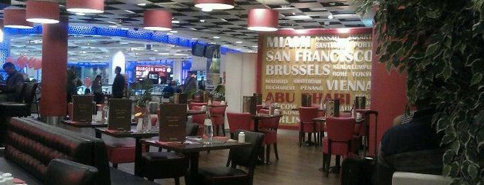 Food Village, Abu Dhabi Airport is one of SMS FRANKFURT Group Travel 님이 좋아한 장소.