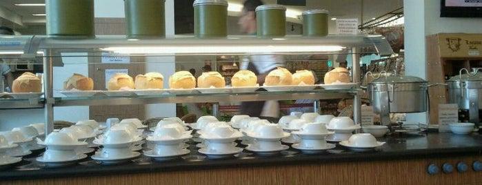 Panificadora Requinte is one of Restaurantes, Bares e Coffee Shops favoritos.
