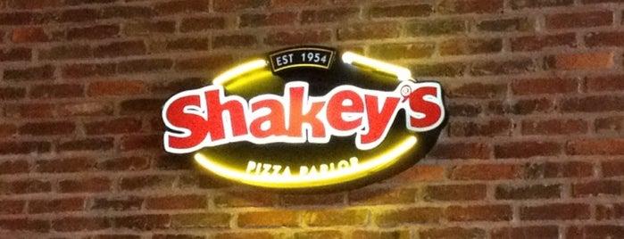 Shakey's Pizza is one of Orte, die Ely gefallen.