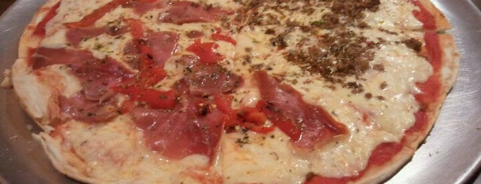 Pizzería La Pizza is one of #totolugares.
