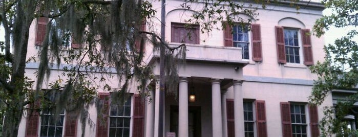 Juliette Gordon Low Birthplace, National Historic Landmark is one of Savannah.