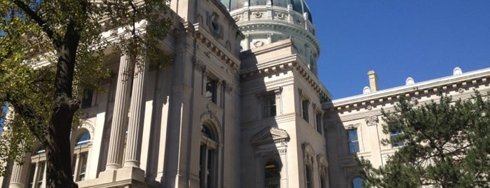 Indiana State Capitol is one of State Capitols.