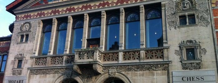 Aarhus Teater is one of Aarhus.