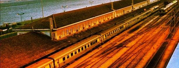 Clube Ferroviário is one of 101 coisas para fazer em Lisboa antes de morrer.