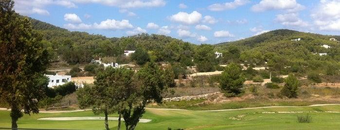 Golf Club Roca Llisa is one of Orte, die Dessiré gefallen.
