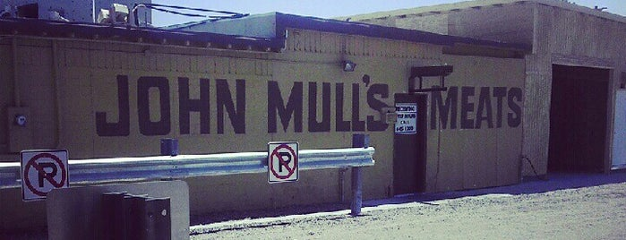 John Mull's Meats & Road Kill Grill is one of Lieux sauvegardés par Justin.