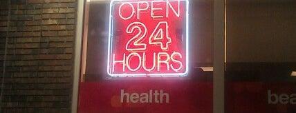 CVS pharmacy is one of สถานที่ที่ Eddie ถูกใจ.