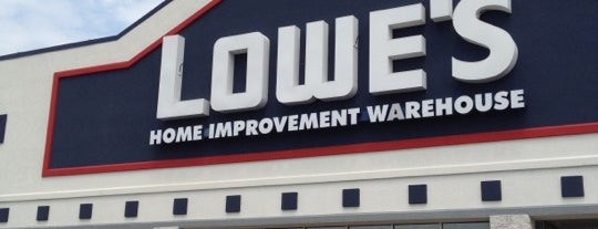 Lowe's is one of Lugares favoritos de Everett.