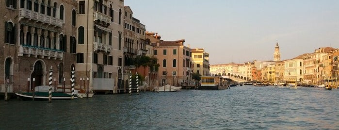 Canal Grande is one of Veneza.