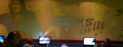 Froggers Grill & Bar is one of Best Bars in Orlando to watch NFL SUNDAY TICKET™.
