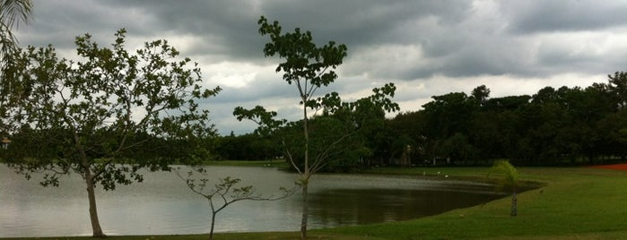 Lago Azul Residencial e Golfe Clube is one of Golf Courses in Brazil.