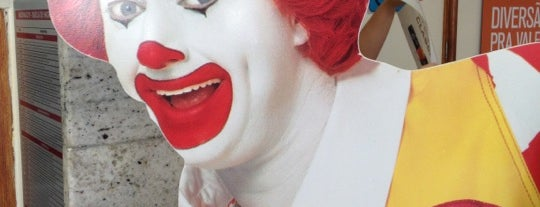 McDonald's is one of Lieux qui ont plu à Valéria.