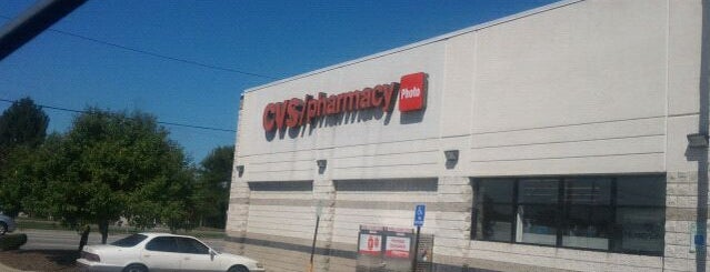 CVS pharmacy is one of Lieux sauvegardés par Sylvia.