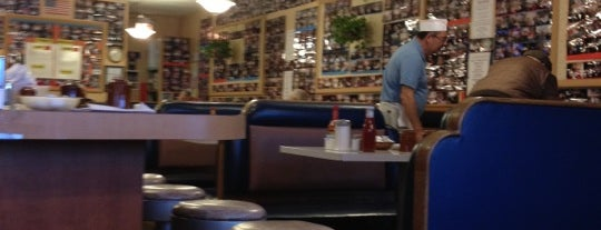 Greenwood Diner is one of Chicago Oct 2017.
