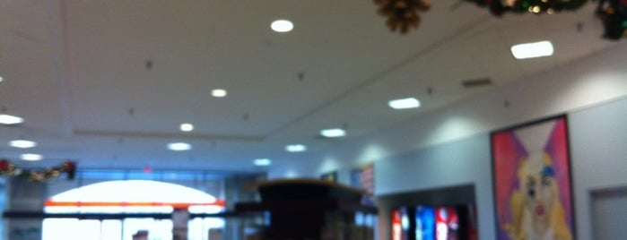 West Manchester Mall is one of York College Student Hotspots.