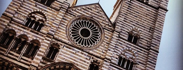 Piazza San Lorenzo is one of √ Best Tour in Genova.