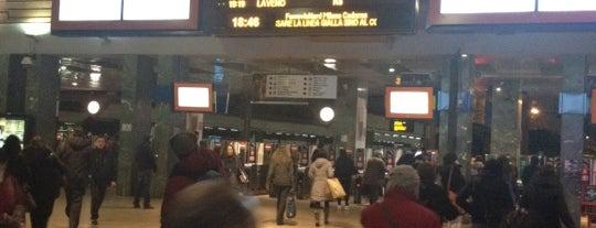 Stazione Milano Cadorna is one of Top 100 Check-In Venues Italia.