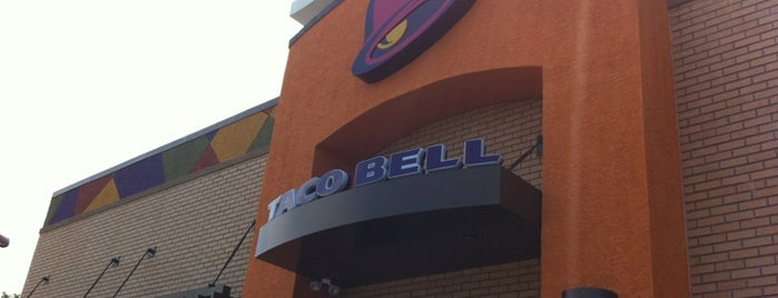 Taco Bell / Pizza Hut Express is one of Chris'in Beğendiği Mekanlar.