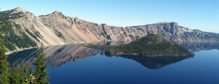 Национальный парк «Озеро Крейтер» is one of US National Parks.