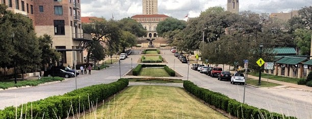 The University of Texas at Austin is one of thommendaus.