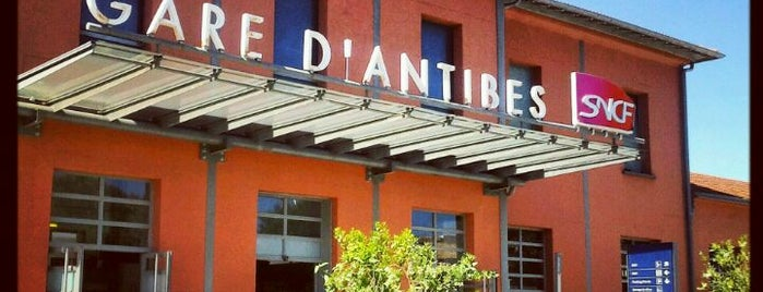 Gare SNCF d'Antibes is one of Lugares favoritos de Erica.
