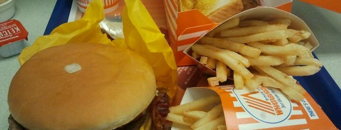 Whataburger is one of Lugares favoritos de Greg.