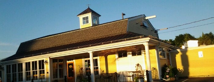 Daily Harvest Cafe is one of North Shore.