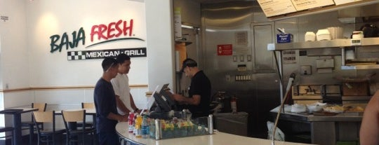 Baja Fresh is one of Tempat yang Disukai Mike.