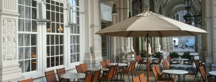 Sluka is one of Cafes.