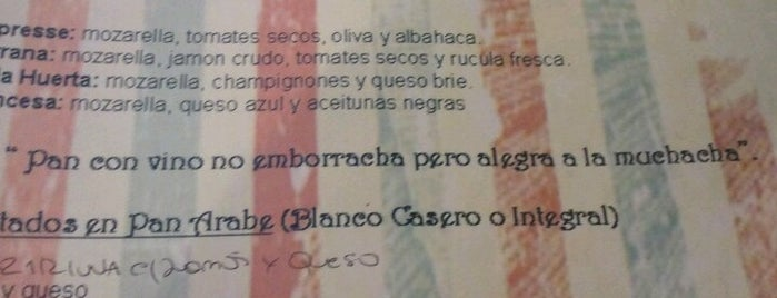 Uvas con Queso is one of Buenos Lugares em Buenos Aires.