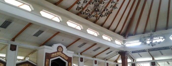 Masjid Raya Habiburahman is one of My Hometown.