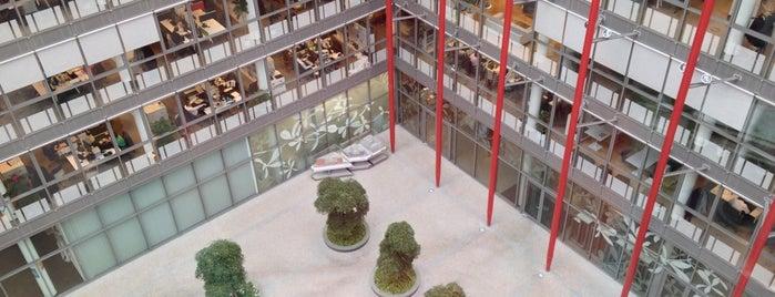 Nile House is one of Moderní architektura v Praze.