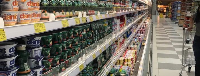 Supermercado Fortaleza is one of Lieux qui ont plu à Marcelo.
