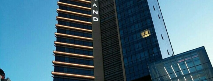 Wyndham Grand İstanbul Levent is one of Orte, die TARIK gefallen.