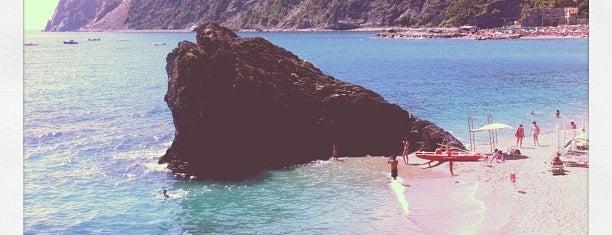 Spiaggia Monterosso Al Mare is one of Greg'in Beğendiği Mekanlar.