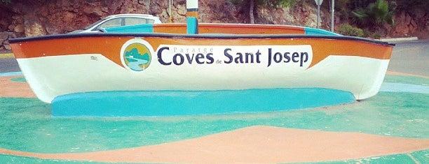 Coves de Sant Josep is one of Posti che sono piaciuti a Miranda.