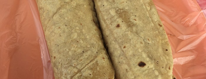 Tacos de Barbacoa Plateros is one of Posti che sono piaciuti a LEON.